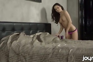 18 year old anita bellini enjoys her sexy