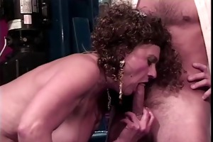 old slut gets her twat licked by younger lad