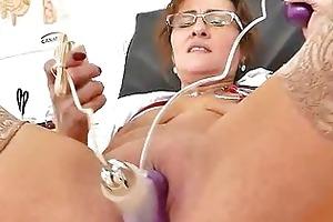 mature dilettante mother love button pump games