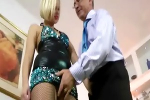 golden-haired bitch in nylons fingers herself